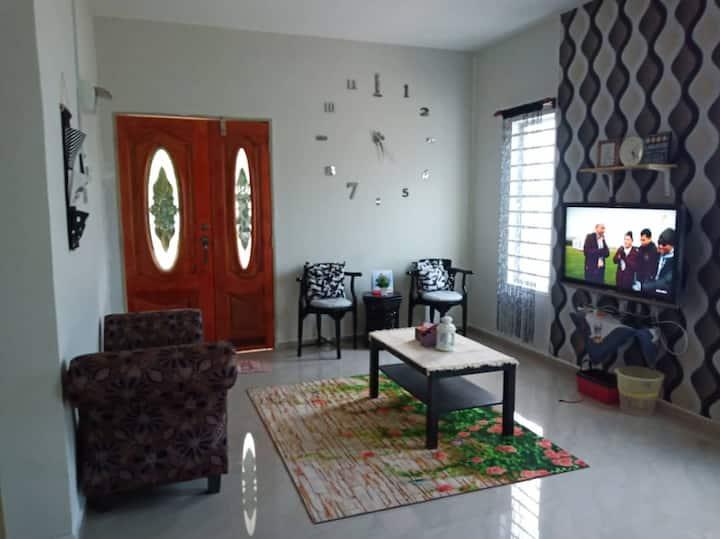 Azlina Homestay - Pagoh University  Panchor Muar