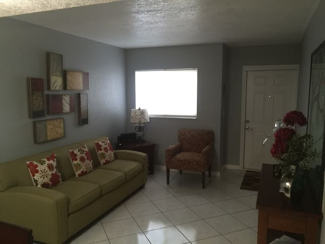 Lovely Place to Stay - Miami - Apartment