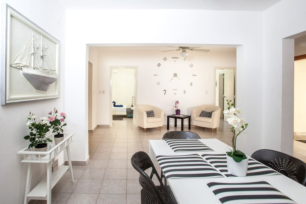 Amazing apartment, very spacious (155 meters / 510 square feet) Spa, just 1 minute walking distance restauarnts, supermarket, bars, pharmacie, public transportation and more...