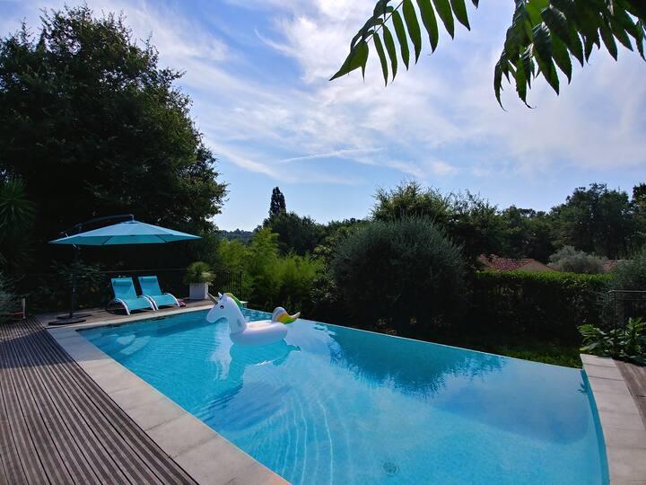 Studio indépendant + accès piscine