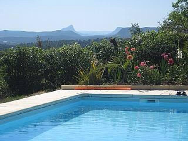 Vue imprenable, piscine 12x6,calme parmis oliviers - Sommières - Talo