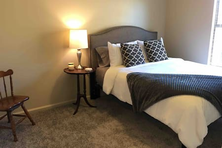 Comfortable Conway Apartment