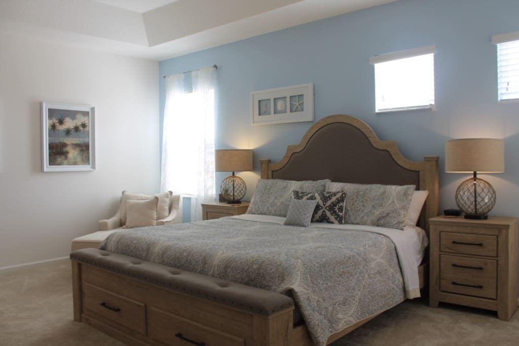 Master Bedroom with King EnSuite Bathroom and Balcony - 2nd Floor