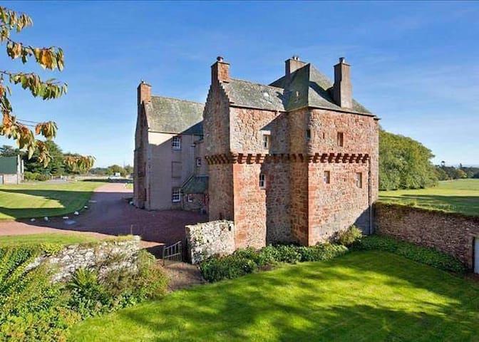 Historic Scottish Borders Castle - Gordon - Schloss