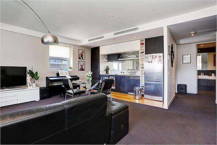 Contemporary South Yarra SXY 1BR+FREE carpark