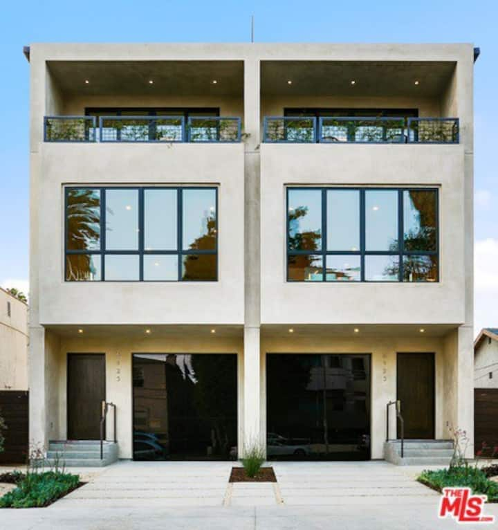 Modern one bedroom apartment in Hollywood