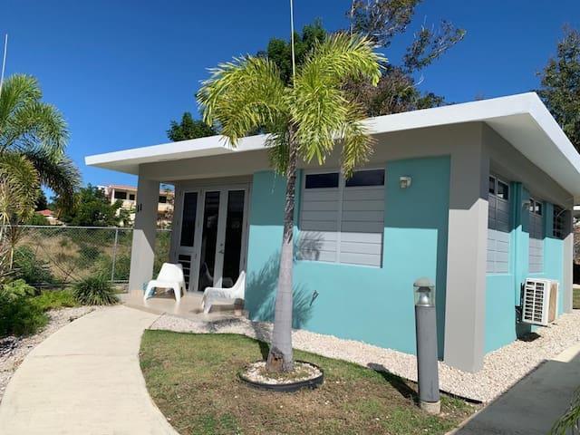 Blue Beach House -Walking distance to Beach!