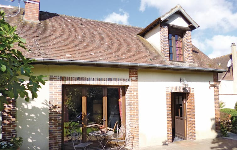 Holiday cottage with 1 bedroom on 0 m² in Breux sur Avre