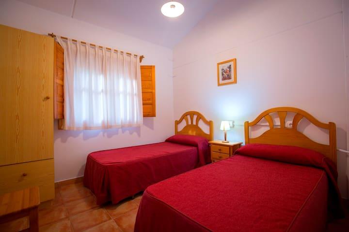 Interior alojamiento: habitación doble