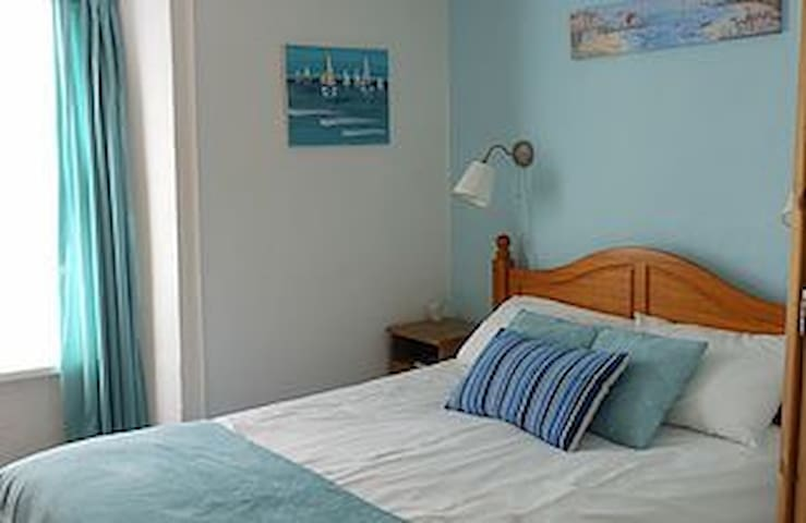 Bright room near beach with parking