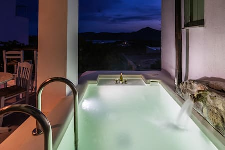 Casa Rustica-Luxury Cavehouse with view