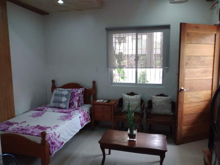 Studio Type w/ Complete Amenities and 25 mbps WIFI