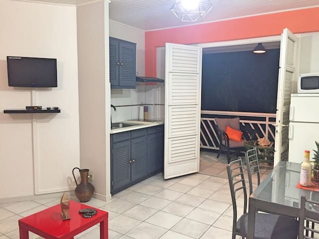 """Apartment """"Anse"""" T2 with pool"""