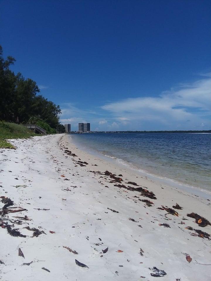 Sunshine's Private Palm Beach Paradise!