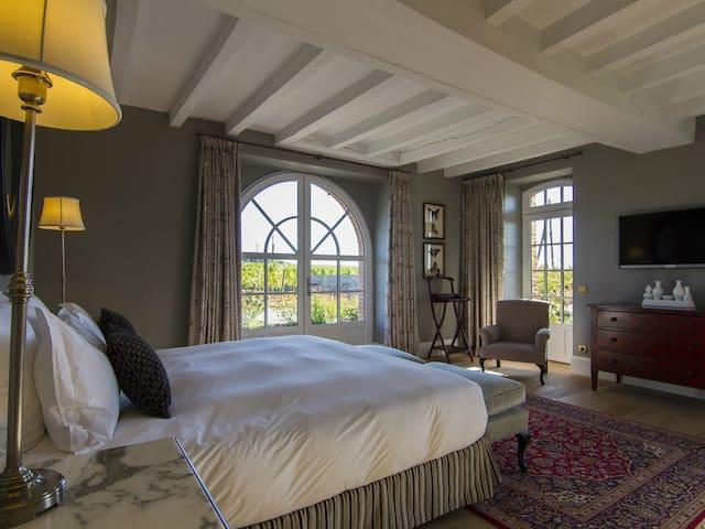 Gîte-Ensuite-Premium-Garden View-La Maison des vignes