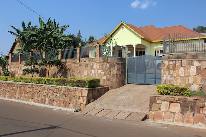 Nice stay in Kigali, at Mount Rebero.