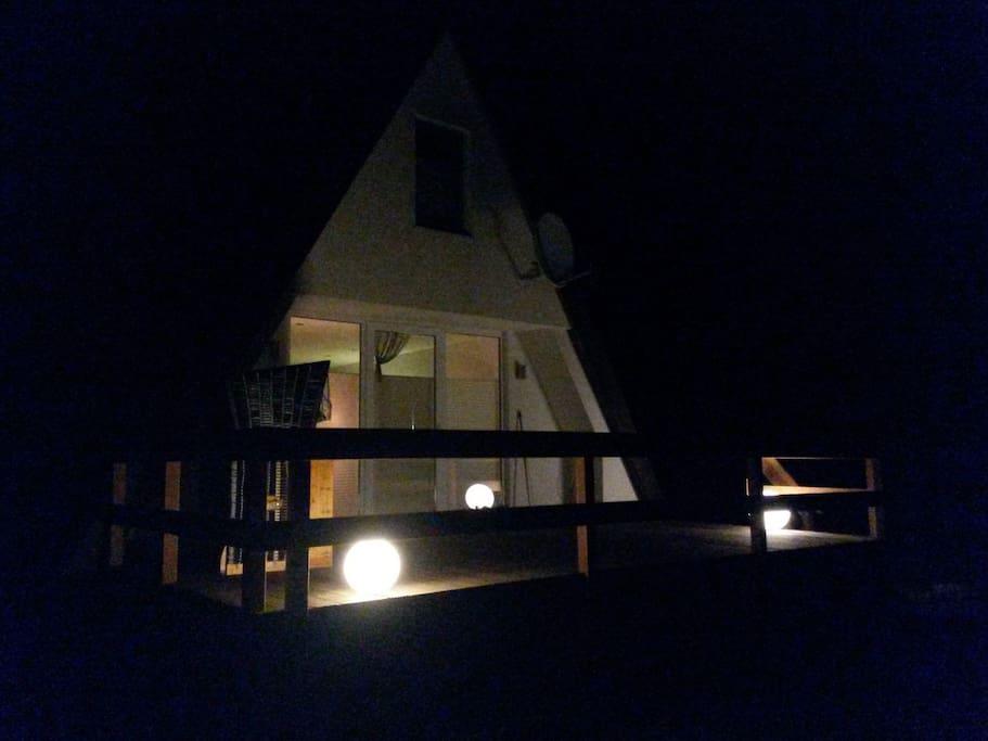 Ansicht bei Nacht