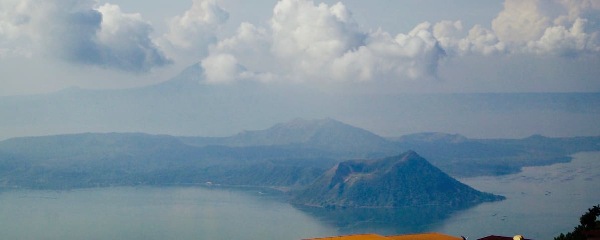 Amazing views of Taal Volcano
