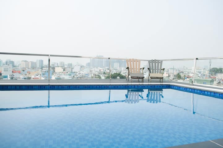 TEA GARDEN! SKY POOL APT NEAR CENTRAL*