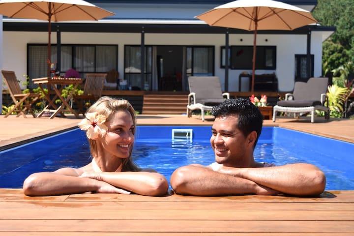 Abera's Aitutaki Villas (Adult Only) Beach Front