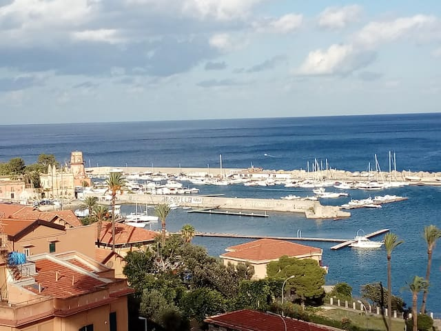 Room with sea view in Palermo