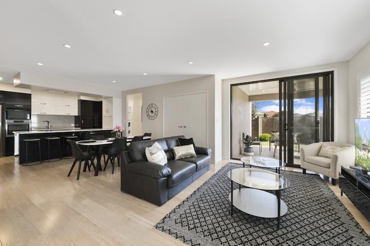 Modern Luxury next to Gabbinbar Homestead