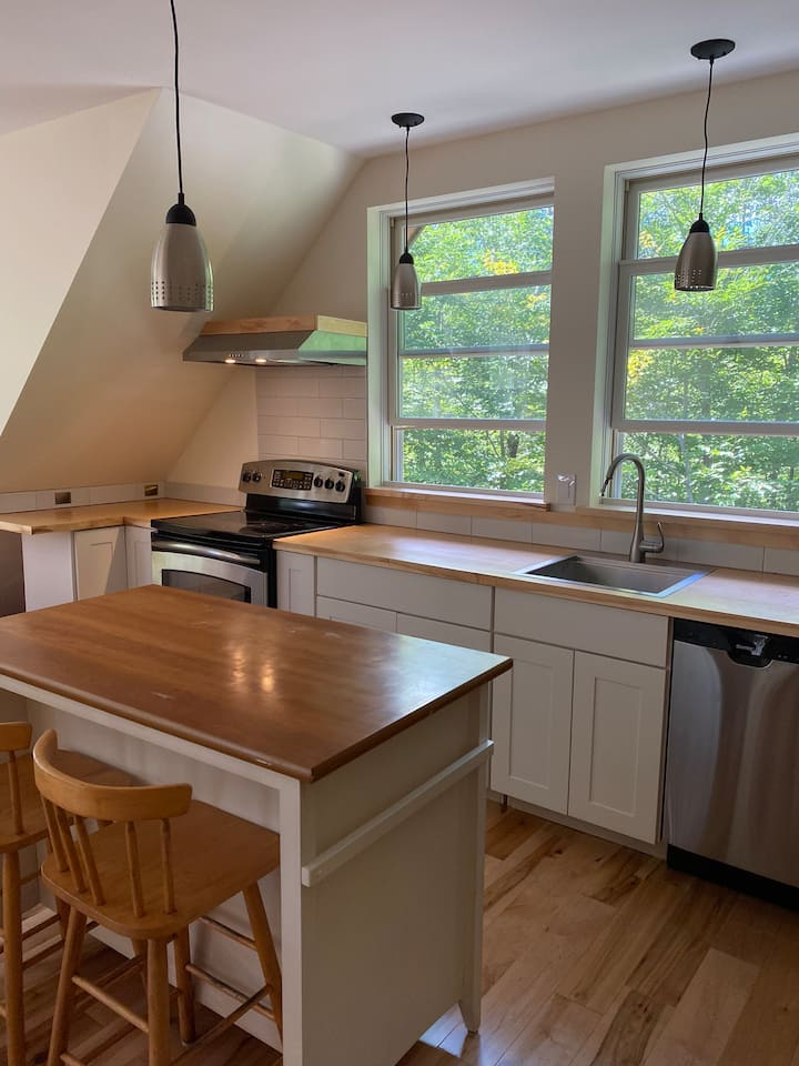 Peaceful studio-well equipped kitchen-near biking