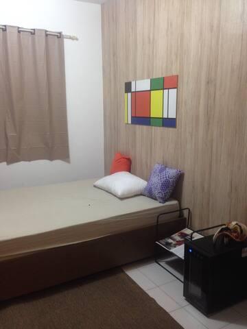 Amplo quarto sala próximo ao parque do Ibirapuera