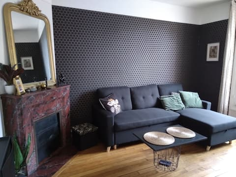charming 2 rooms, all on foot. Near station and city center. Near Disney, Val d 'Europe.