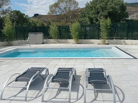 Casa acogedora con jardín, piscina y barbacoa