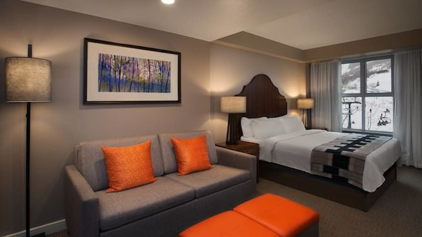 Marriott Mountainside Luxury Studio sleeps 4