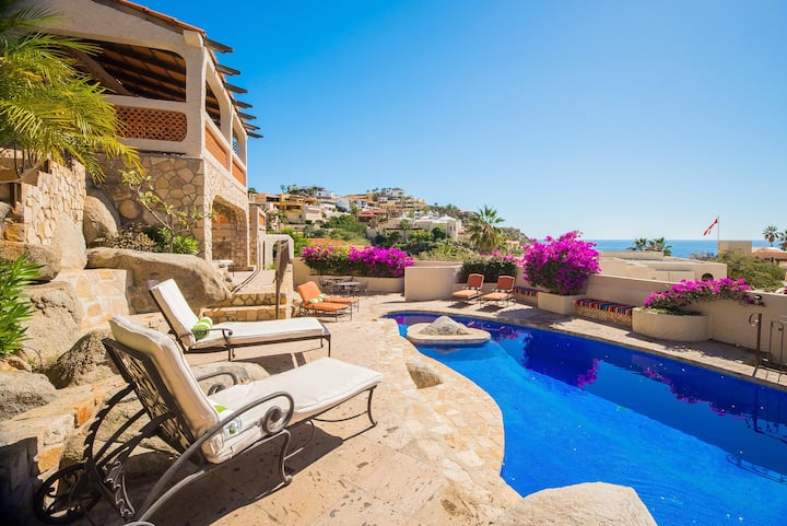 Great Vacation Value, Ocean Views: Hacienda Edith