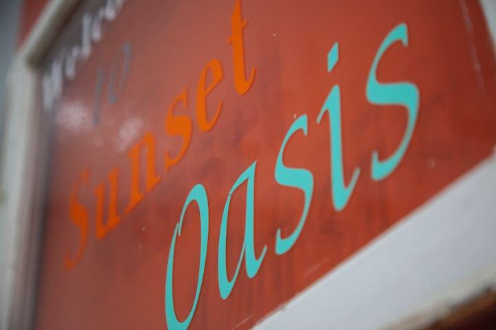 Sunset Oasis @ Holliday Hills