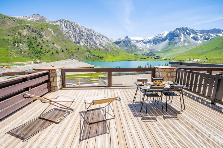 New 3 bedroom apartment in Tignes le Lac with breathtaking views just meters from all the ski lifts and amenities