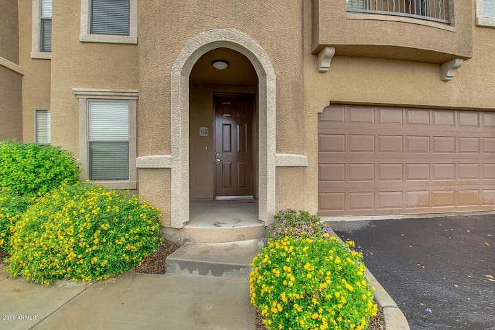 Resort style 2 bedroom condo in Litchfield Park