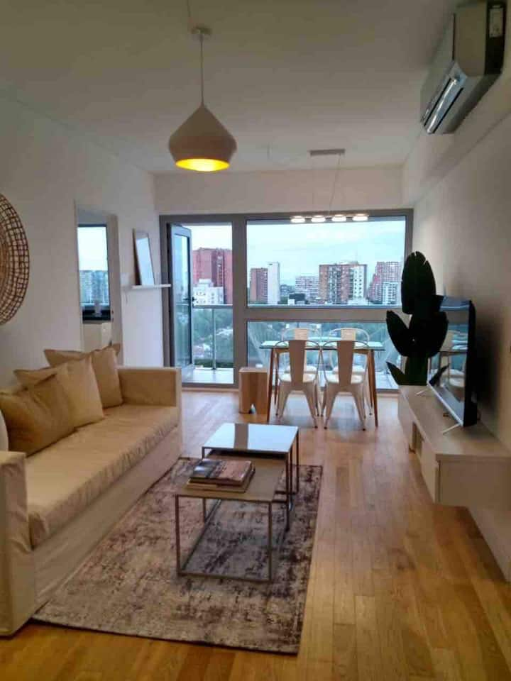 NEW 1 bed apartment with the best views of BA!