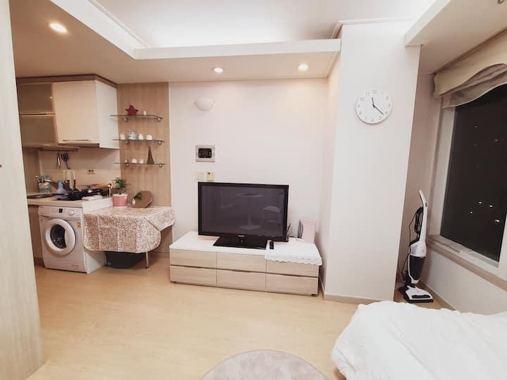 [Sol's Cozy Home] 강남역 5분거리/포근하고 따뜻한숙소/ 깨끗해요