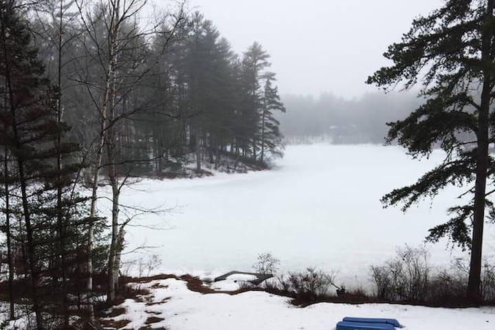 Beautiful New Hampshire lakeside cabin - Freedom - Дом