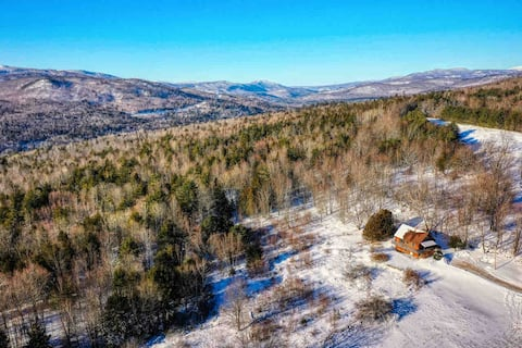 Secluded Clean Cabin w/ Incredible Mountain Views!