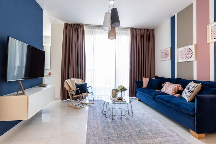 Magical 3BR/Parking with amazing view, city center