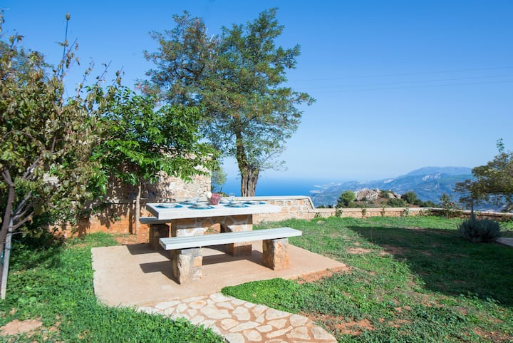 Serenis | a 4season retreat only 1,5hr frm Athens
