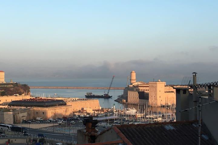 Joli T2 Abbaye / avec vue imprenable sur le Port - Marselha - Apartamento