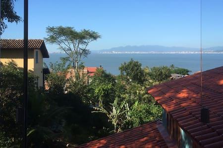 Estudio con vistas al mar en Sambaqui - Florianópolis