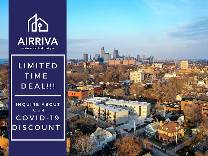 1 Bedroom Luxury Condo Minutes from Downtown- D5