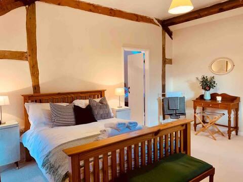 Upper Heath Farm - Stable Cottage