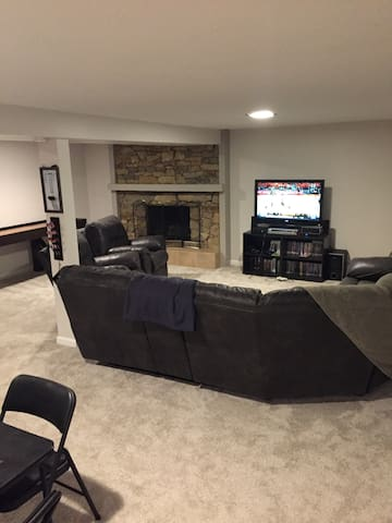 Relaxing, Comfy Basement Pad.  GREAT location!