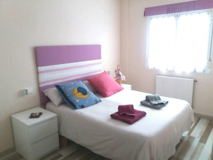 Habitación privada en piso compartido. WIFI