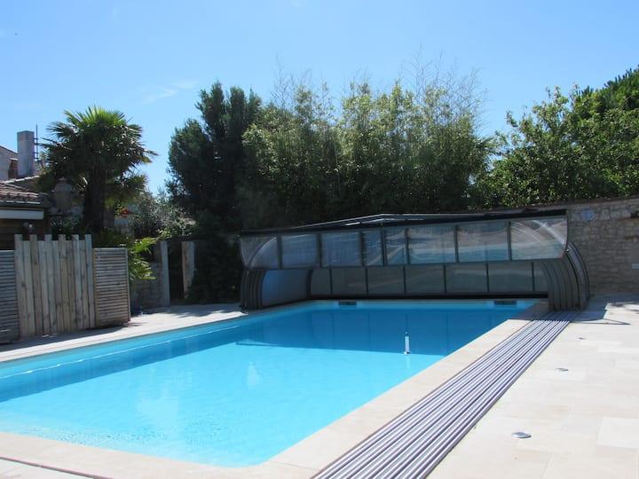 La maison de la piscine