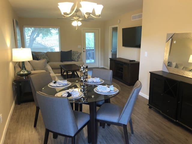 2nd Floor 2 bedroom with Mountain Views and Many Upgrades!