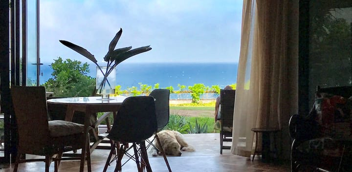 Stylish,upmarket flat 1min f. beach & ocean view
